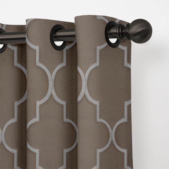 Designer Drapes/Curtains 5552
