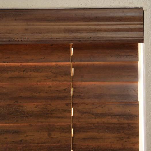 Stores en bois vieilli de 2 po 7107 Thumbnail